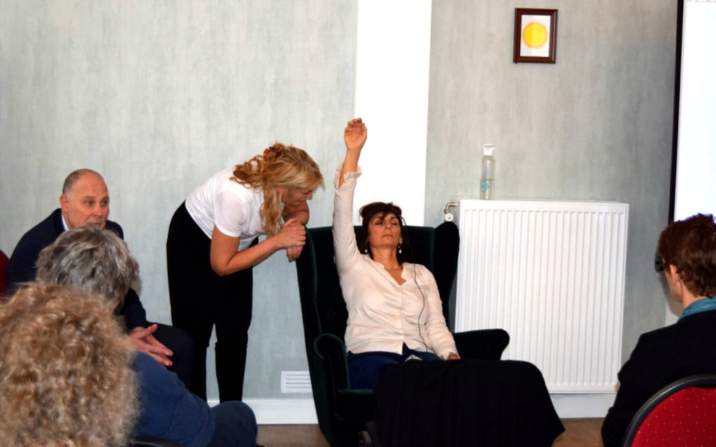 ERT, Emotion Replacement Therapy, Tom Silver training, performance, working in front of an audience, hypnotherapy
